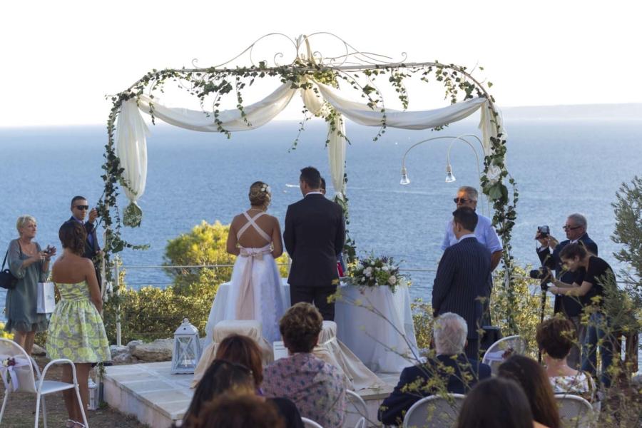 Matrimoni civili cala dei balcani ristorante con sala for Ristorante in baita vicino a me